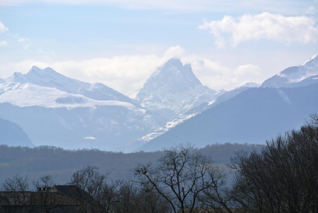 Panorama sobre los Pirineos desde el Cru Lamouroux – Jurançon